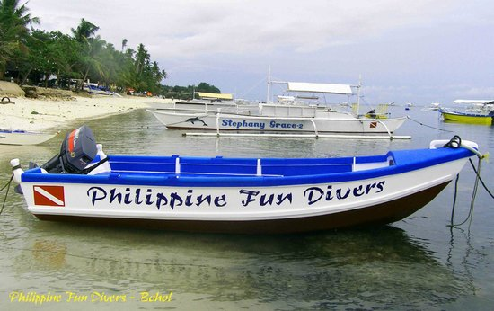 Philippine Fun Divers, Inc. : Speed boat for 6 divers