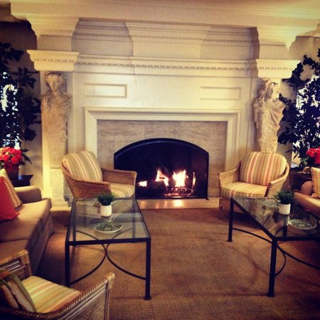 La Playa Carmel: The gorgeous fireplace inside of the hotel