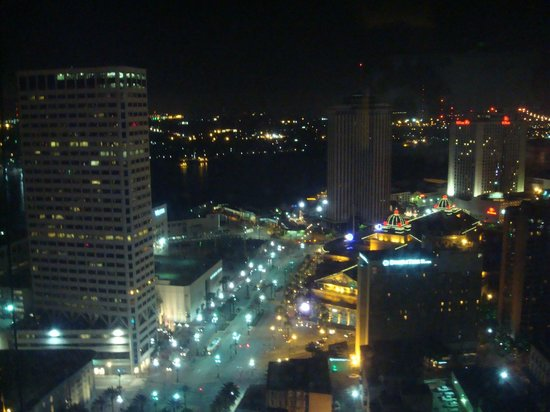 Sheraton New Orleans Hotel : The view from our room at night
