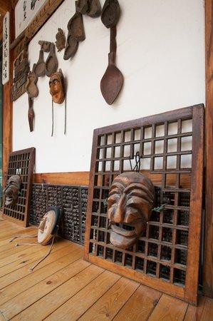 Hanok Guesthouse Eugene's House: decoration