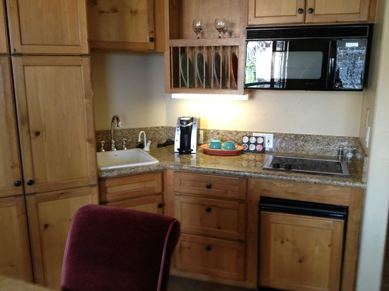The Inn at Lost Creek: Kitchenette