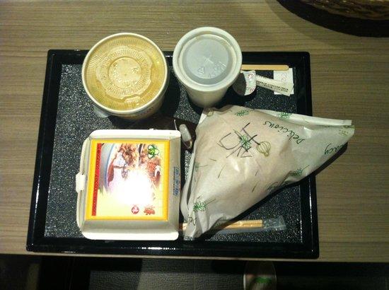 Leesing Hotel : 兩個人早餐,一個中式,一個西式