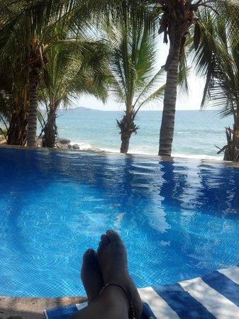 Playa Escondida: chilling at the infinity pool