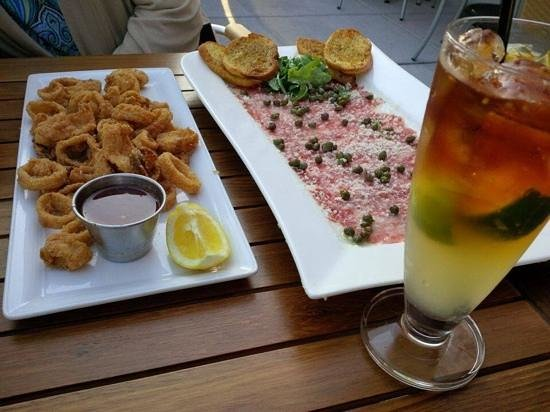 Grille620: Delicious appetizers and cocktail