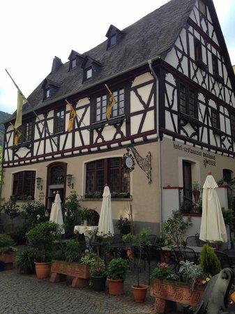Weinhaus Weiler: Beautiful inn in Oberwesel!