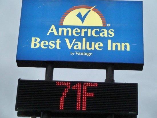 Americas Best Value Inn : outside of the hotel