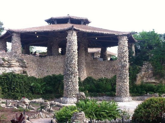 Japanese Tea Gardens: Main Structure