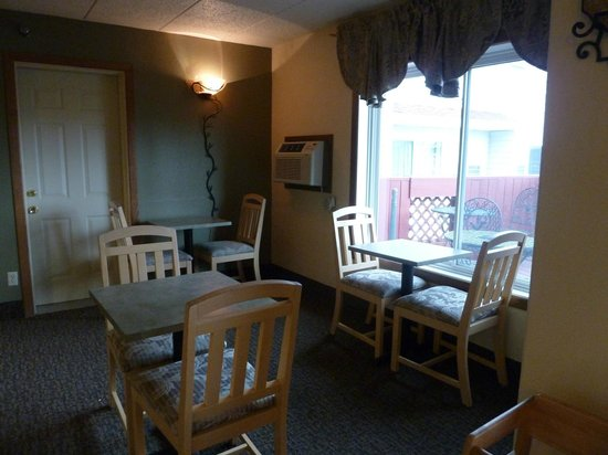 Americas Best Value Inn: view from the dining room