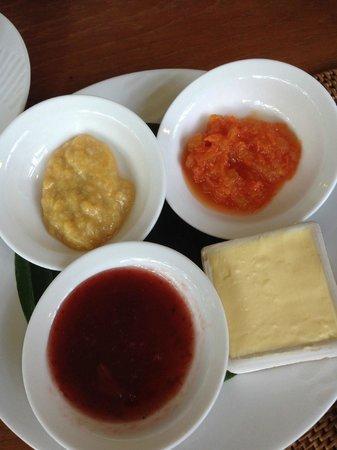 Komaneka at Bisma: The banana and papaya jam is so good!