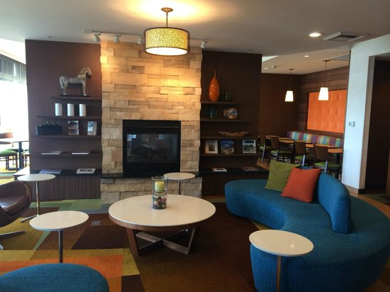Fairfield Inn & Suites Tustin Orange County: Lobby