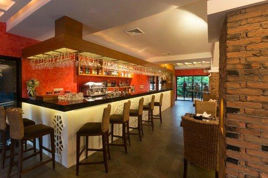 Vulcano Hotel Chiang Mai: BAR