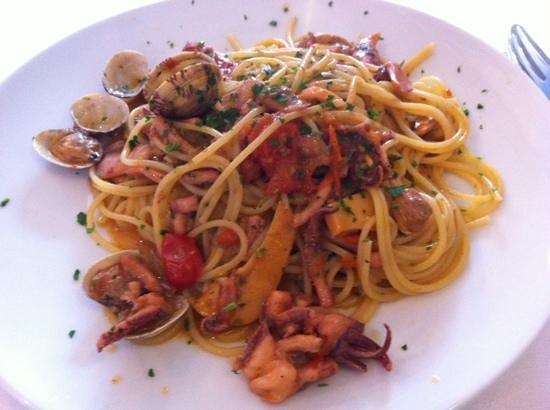 Strabbioni Pizza e Cucina: mixed seafood pasta