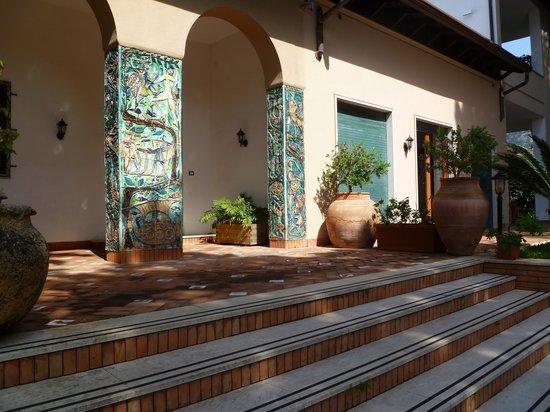 B&B Mondello Resort : Main entry