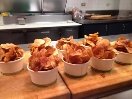 Cafe Carbonero: Homemade chips