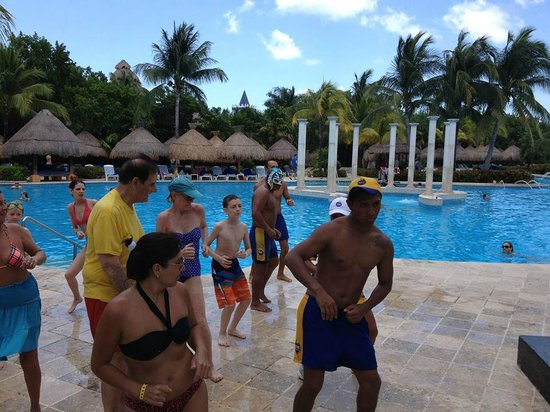 Iberostar Paraiso Beach: Dancng with Star Friends, daily