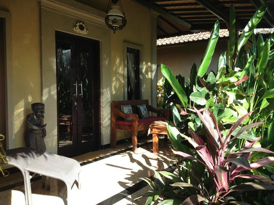 Taruna Homestay: Room Terrace