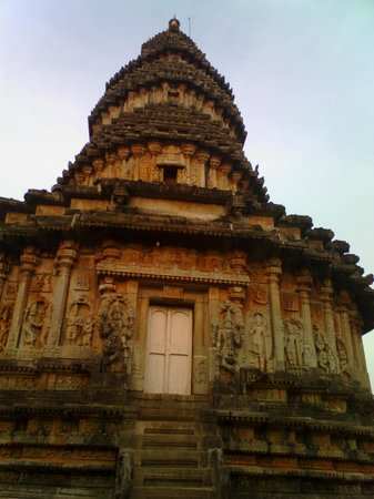 Sringeri, India: vidyasankar temple-Muralitharan photo