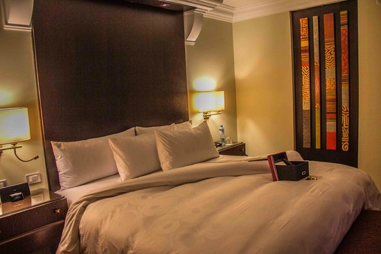 JW Marriott El Convento Cusco : Bed and turndown