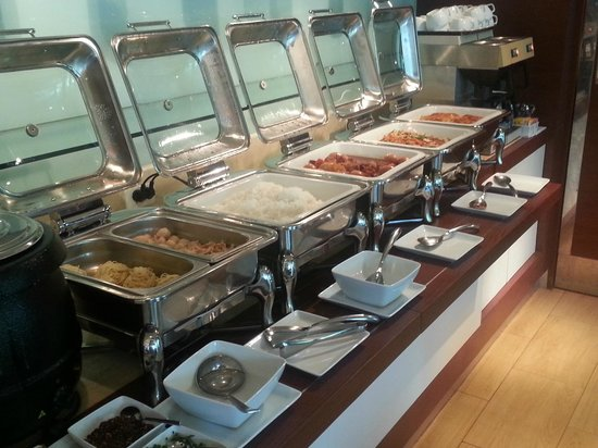 Ibis Vientiane Nam Phu Hotel: HOT SELECTION for breakfast