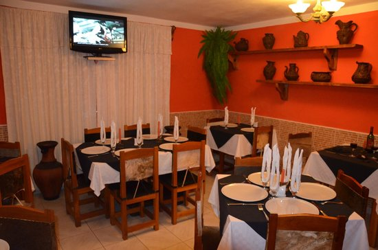 salle manger picture of bar restaurant paladar kban de boca la boca tripadvisor. Black Bedroom Furniture Sets. Home Design Ideas