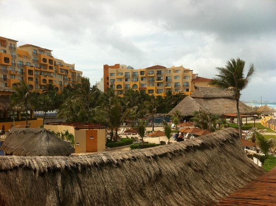 Fiesta Americana Condesa Cancun All Inclusive: Pools and grounds