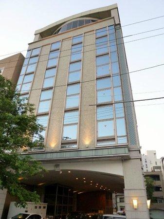 Hotel Riverge Akebono: ホテルの外観、最上階に大浴場が見えます