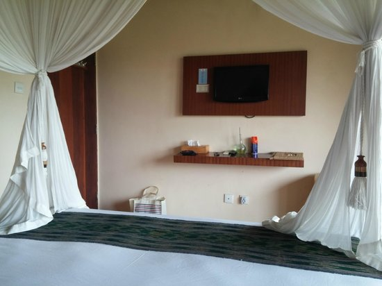 Biyukukung Suites and Spa: 2nd floor bedroom