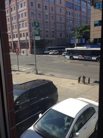 Days Inn Long Island City : Outside window 2 NRD floor community college out back