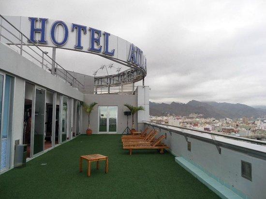 Silken Atlantida Santa Cruz: Обзорная площадка и фитнес-центр на крыше