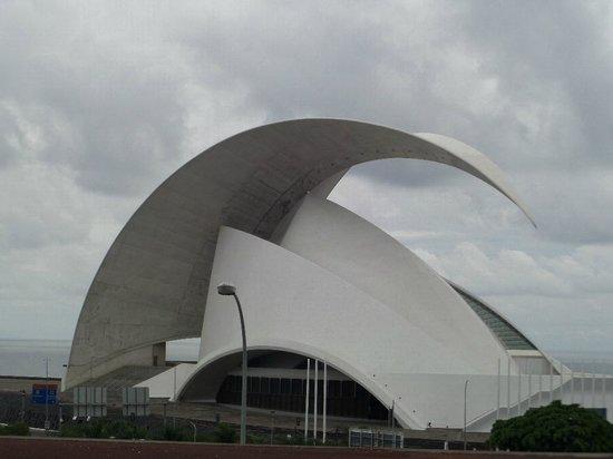 Tenerife Auditorium (Auditorio de Tenerife): Здание оперы на берегу океана