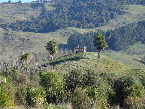 Waimarama Maori Tours: An rebuilt outlook surrounding the remnant of Hakikino - a Maori fortress that was breached in t