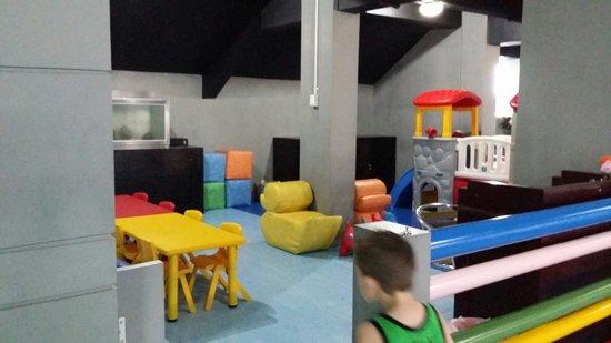 Sanur Paradise Plaza Suites: Play area