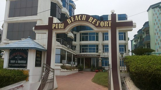 Puri Beach Resort: Hotel Facade.