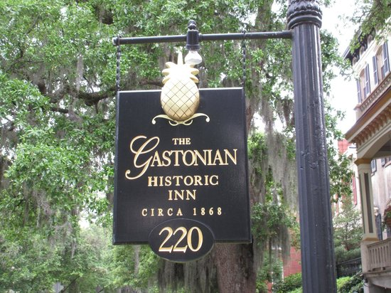 The Gastonian - A Boutique Inn: The Street