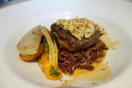 iX pour Bistro : Goat cheese lamb loin