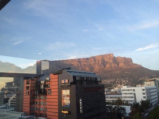 Hilton Cape Town City Centre: view from the corner