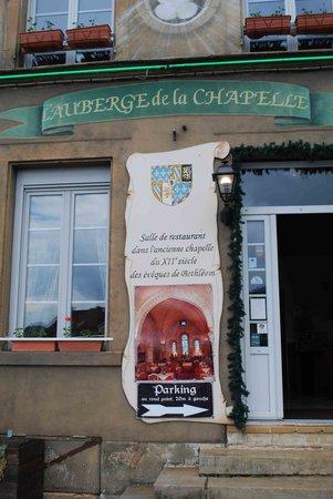 Auberge de La Chapelle : Entrée du restaurant