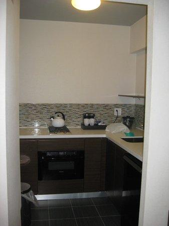 Stewart Hotel: Our kitchenette