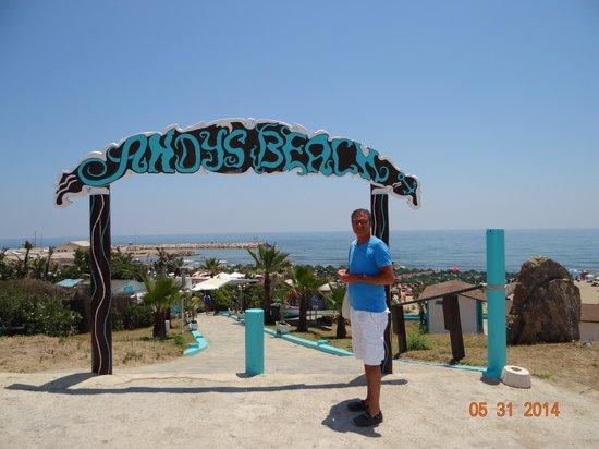 Puerto Cabopino Beach and Marina: andy beach