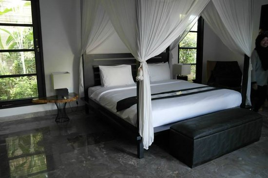 The Residence Seminyak: bedroom 2 - 1st floor facing the pool
