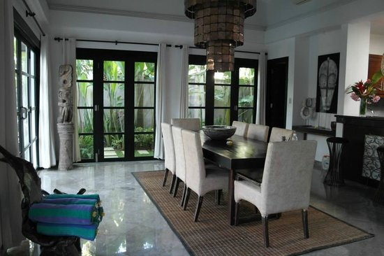 The Residence Seminyak: dining area