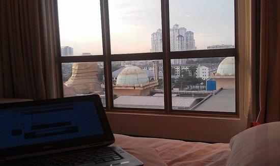 Sunway Pyramid Hotel East & West : Вид из окна