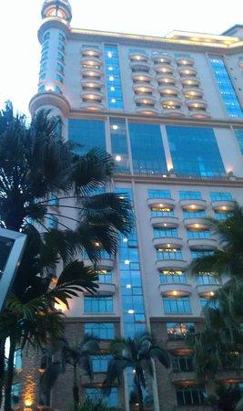 Sunway Resort Hotel & Spa : Вид на отель от бассейна