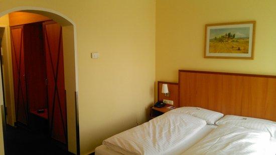 IntercityHotel München: View from room
