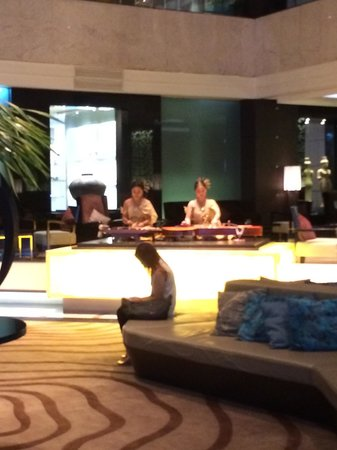 Amari Watergate Bangkok: Light music at the lobby