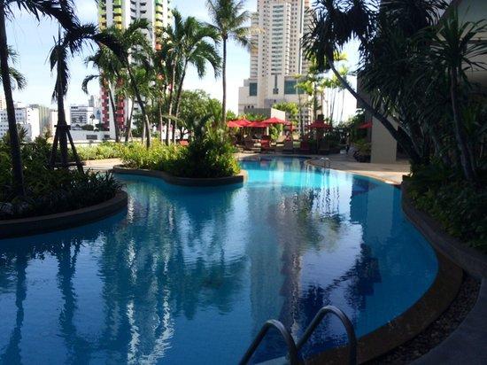 Amari Watergate Bangkok: Pool area