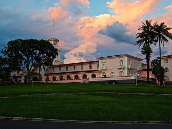 Belmond Hotel das Cataratas: Hotel at Sunset