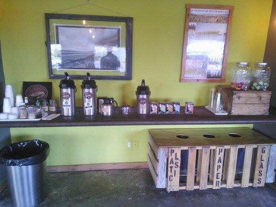 Inn at Discovery Coast: Adrift Hotel Lobby Coffee Bar