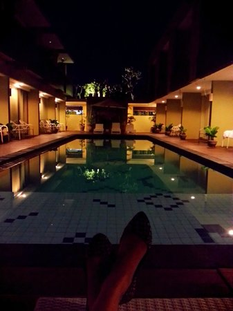 Devata Suites and Residence: Soo comfy at night...