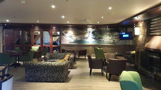 Drakensberg Sun Resort: Lounge area